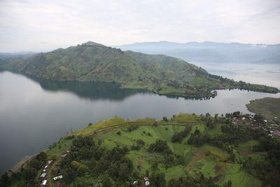 Lake_Kivu._Source_-_Wikimedia_Commons[1].jpg