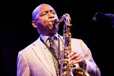 BranfordMarsalis_by_Roger_Thomas_(2)[1].jpg